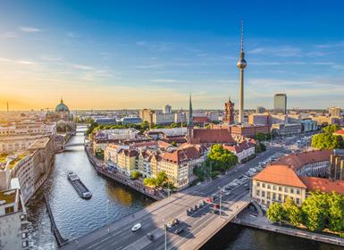 Noroeste e Centro da Europa: Praga, Amesterdão e Berlim de avião