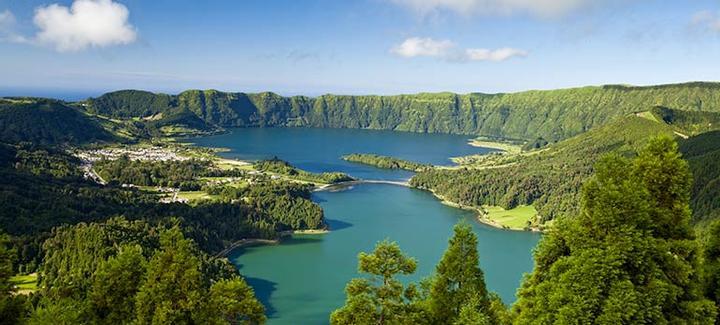 Voos baratos de  Lisboa a Ponta Delgada