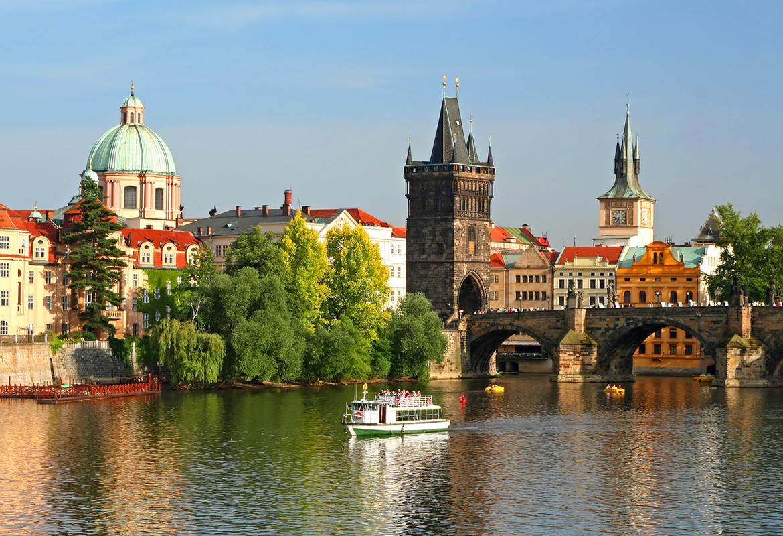 Praga: voo + 3 noites em Hotel 4* por 290€