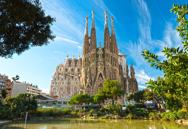 Barcelona: voo + 3 noites em Hotel 4* por 182€