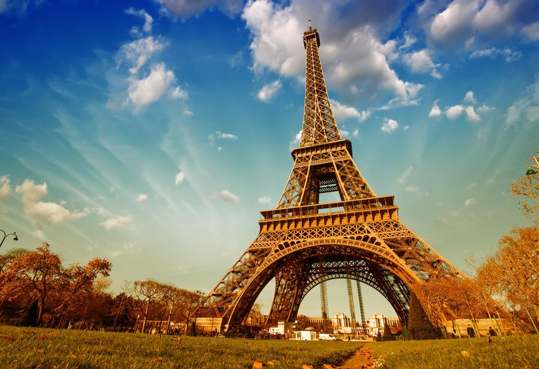 Paris: voo + 3 noites em Hotel 4* por 244€