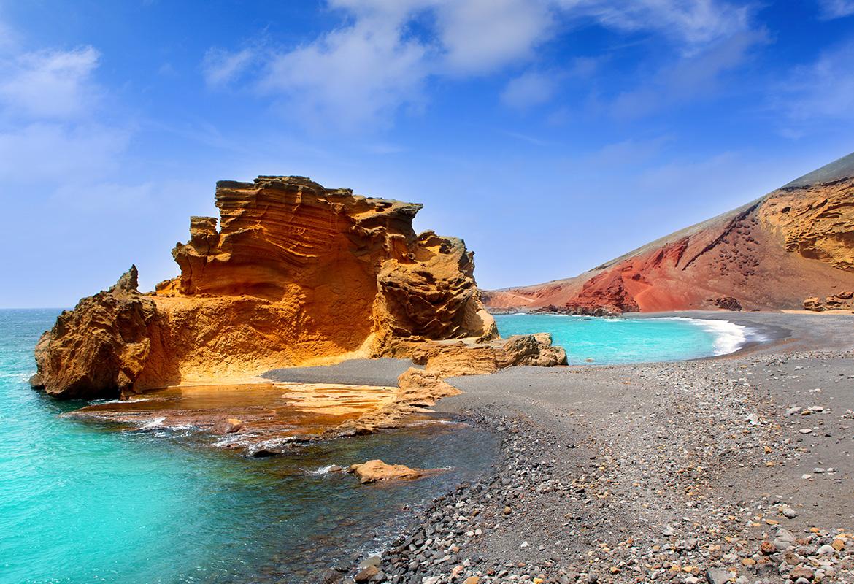 Lanzarote: voo + 7 noites em Hotel 3* por 464€