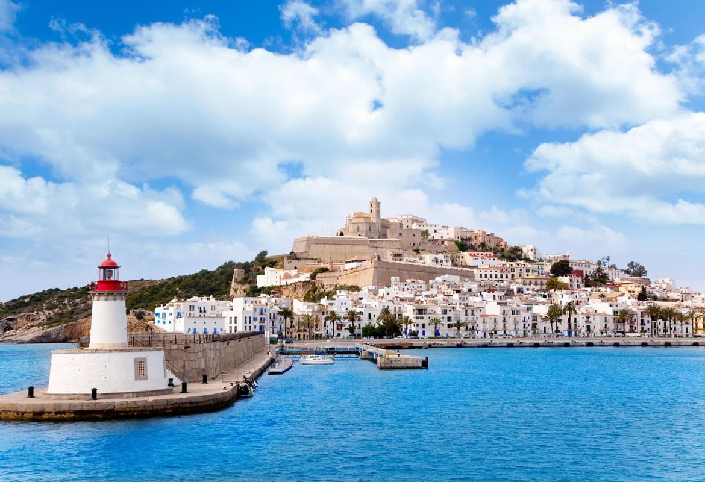 Ibiza: voo + 7 noites em Hotel 4* por 474€