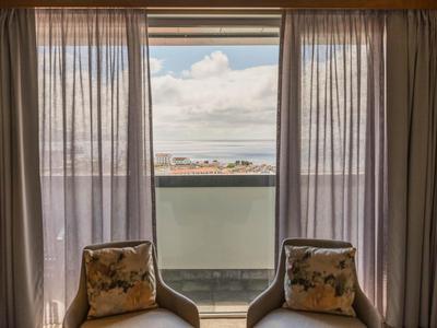 b4fc99de8 Pacotes Voo + Hotel barato para Ponta Delgada | Logitravel